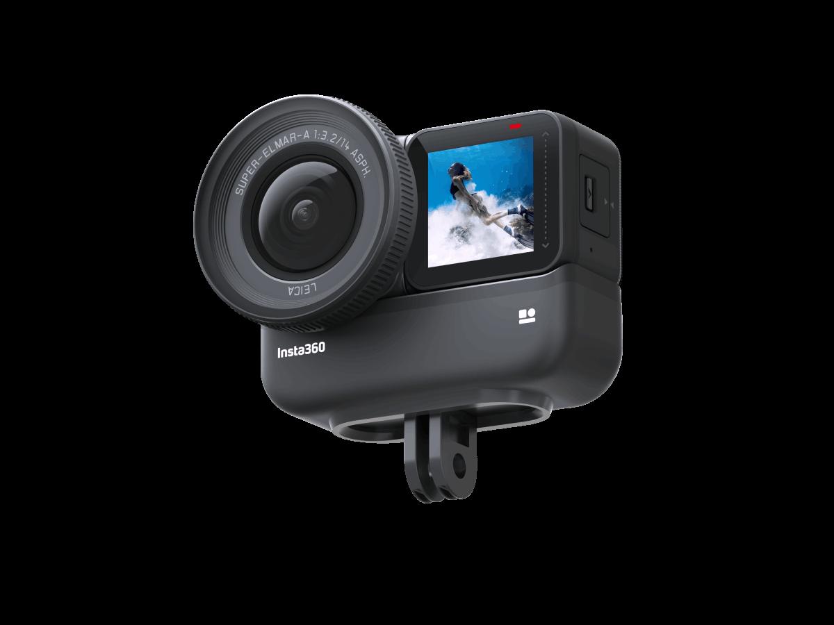 Kamera sportowa z akcesoryjną baterią.
