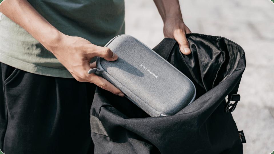 Pakowanie futerału carry case.
