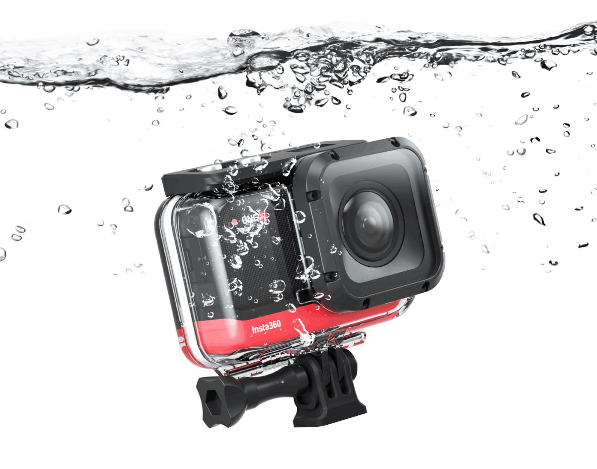 Kamera sportowa pod wodą.
